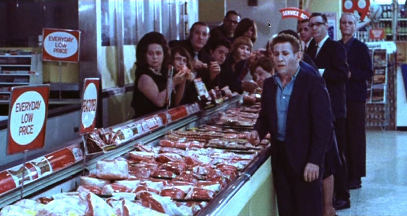 The dead at the supermarket in Messiah of Evil (1973)