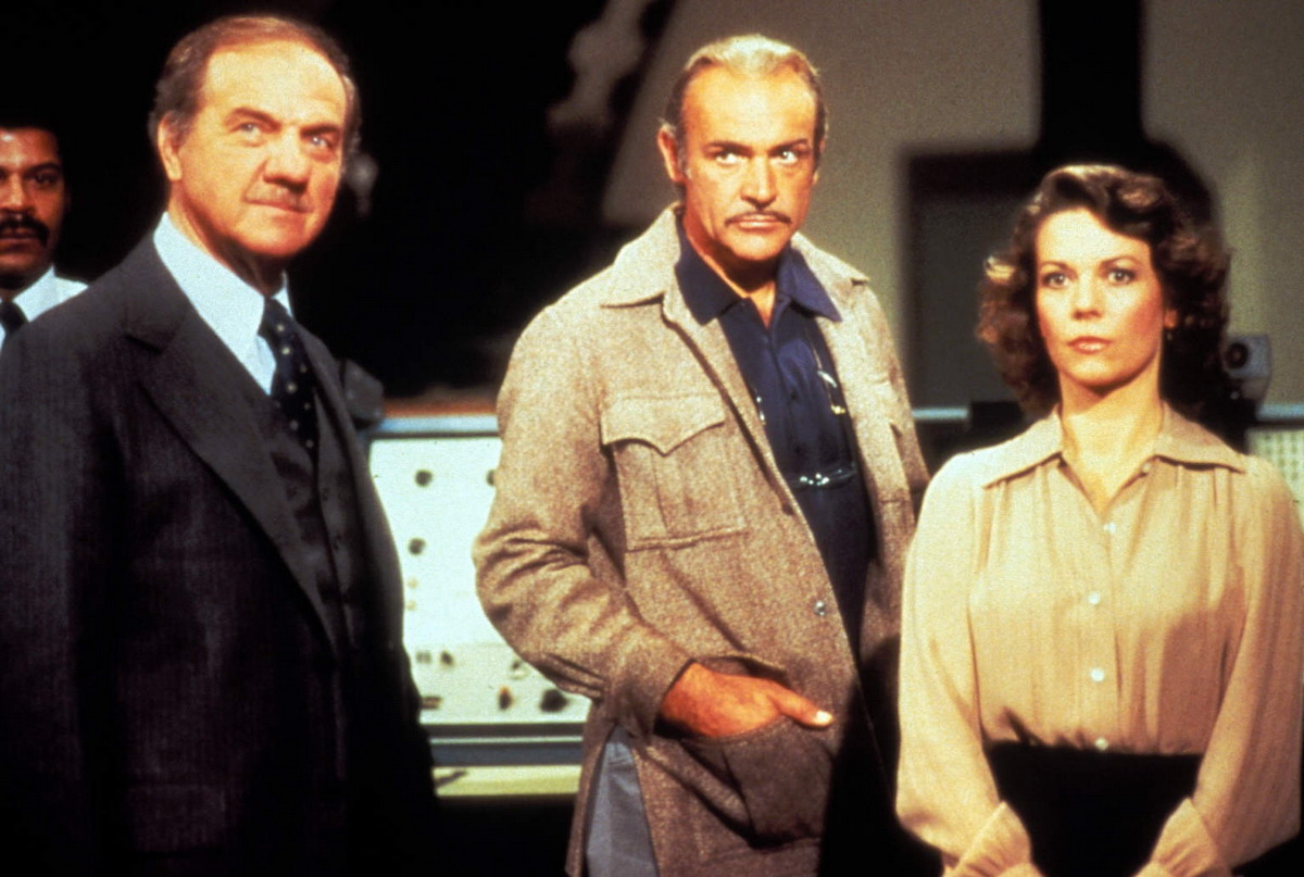 Harold Sherwood (Karl Malden), Dr Paul Bradley (Sean Connery) and Tatiana Donskaya (Natalie Wood) in Meteor (1979)