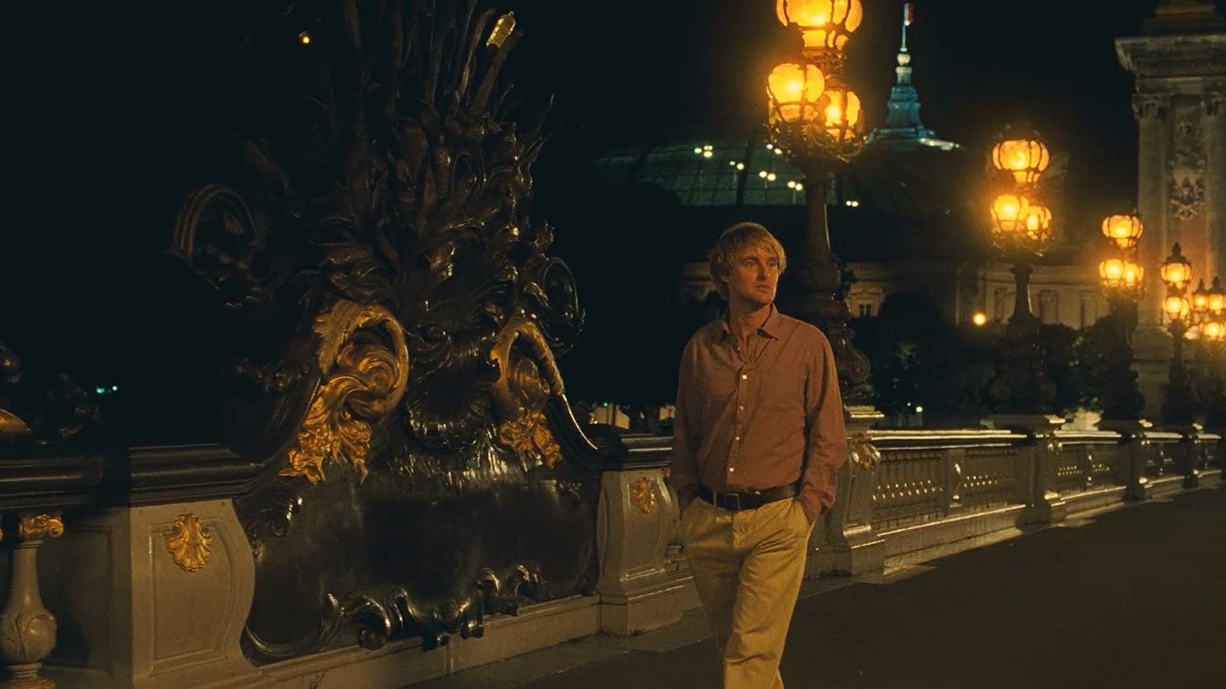 Owen Wilson walks the streets of Paris in Midnight in Paris (2011)