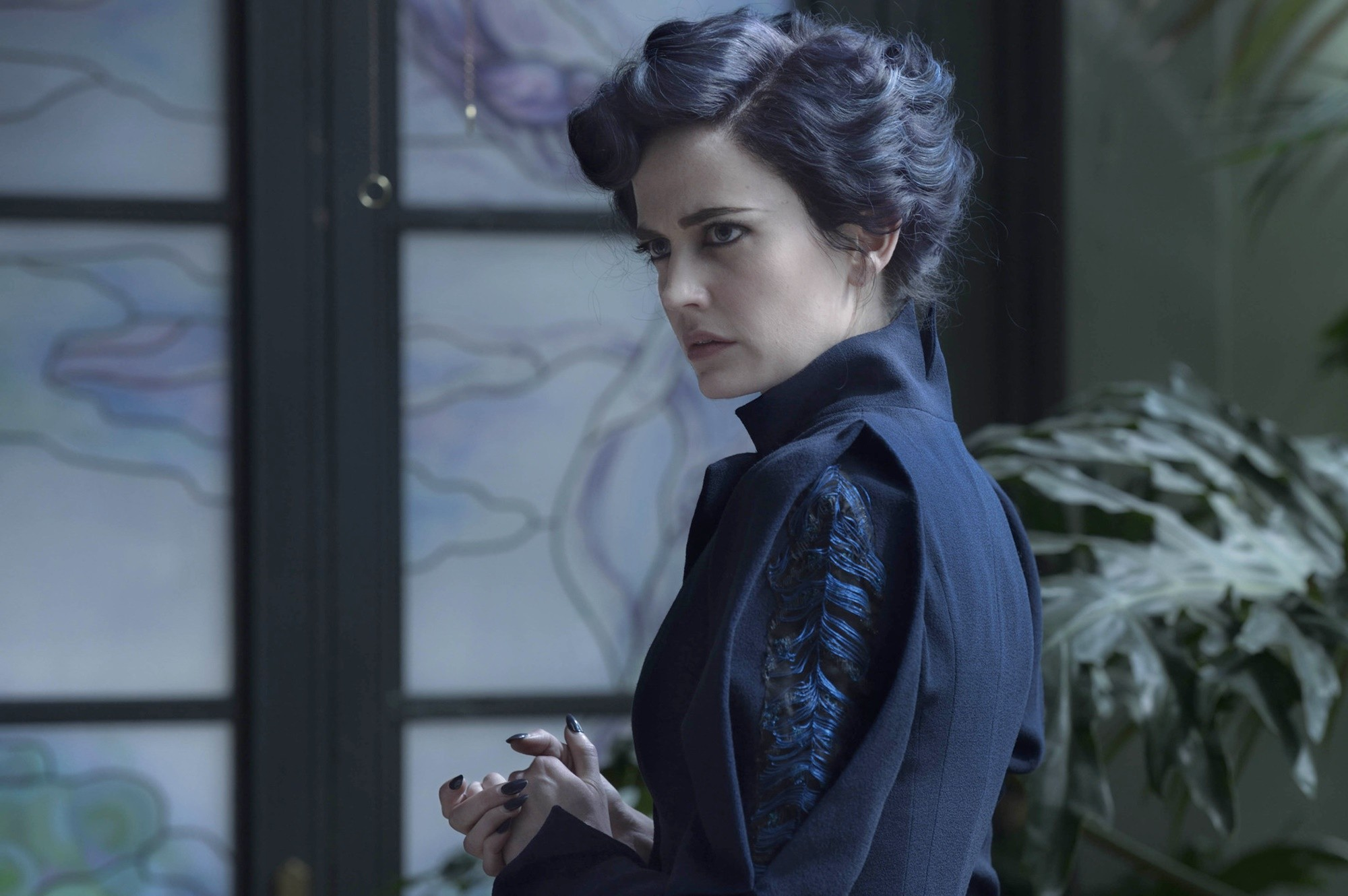 Eva Green as Miss Peregrine in Miss Peregrine's Home for Peculiar Children (2016)