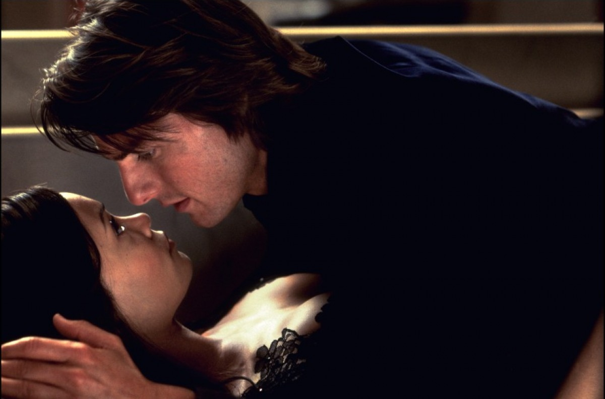 Tom Cruise and Thandie Newton in Mission: Impossible II (2000)