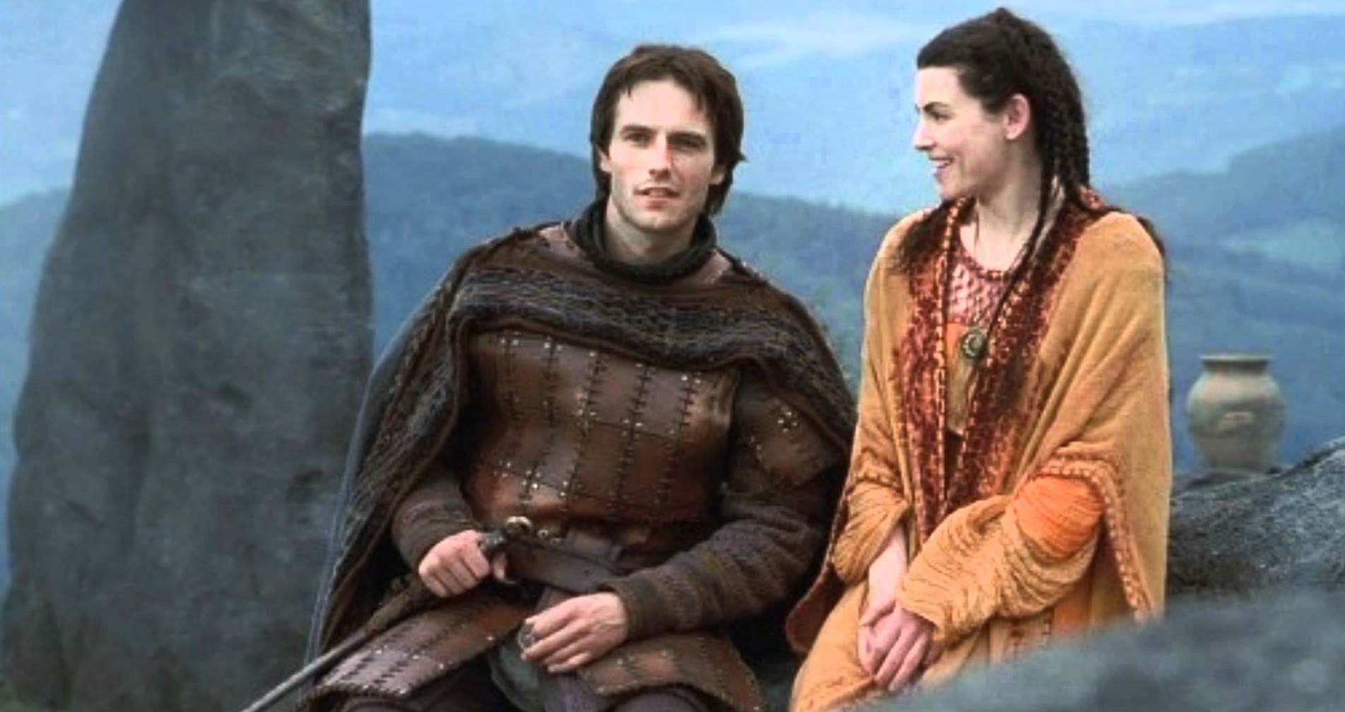 Lancelot (Michael Vartan) and Morgaine (Julianna Margulies) in The Mists of Avalon (2001)