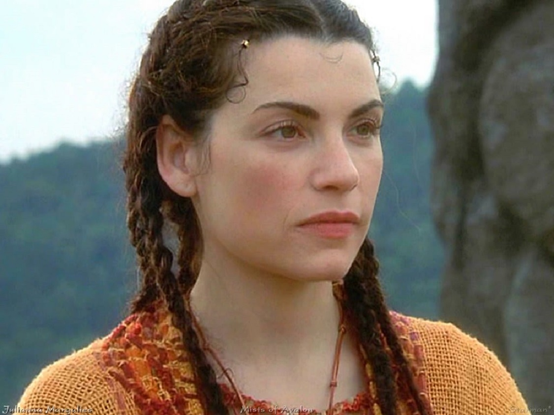 Julianna Margulies as Morgaine, the central character of the Arthurian saga in Marion Zimmer Bradley's revisionist interpretation in The Mists of Avalon (2001)