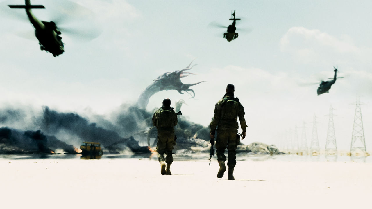 Soldiers in the Middle East vs monsters in Monsters: Dark Continent (2014)