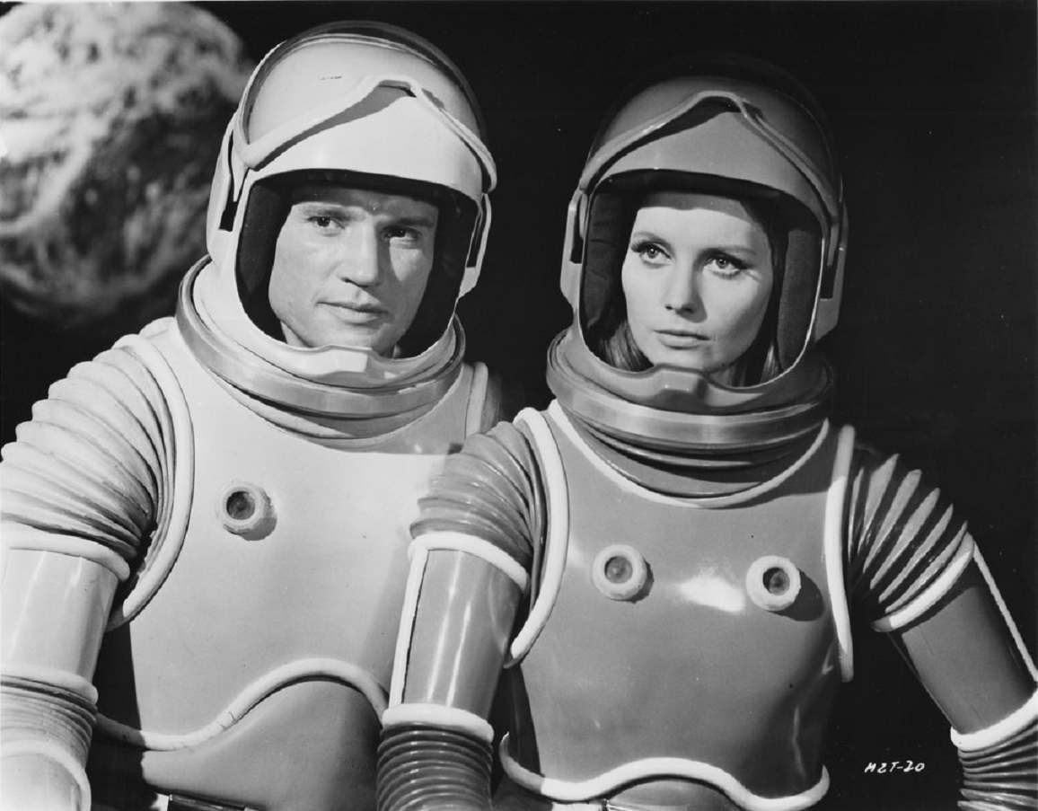 James Olson, Catherina von Schell [Catherine Schell] in Moon Zero Two (1969)