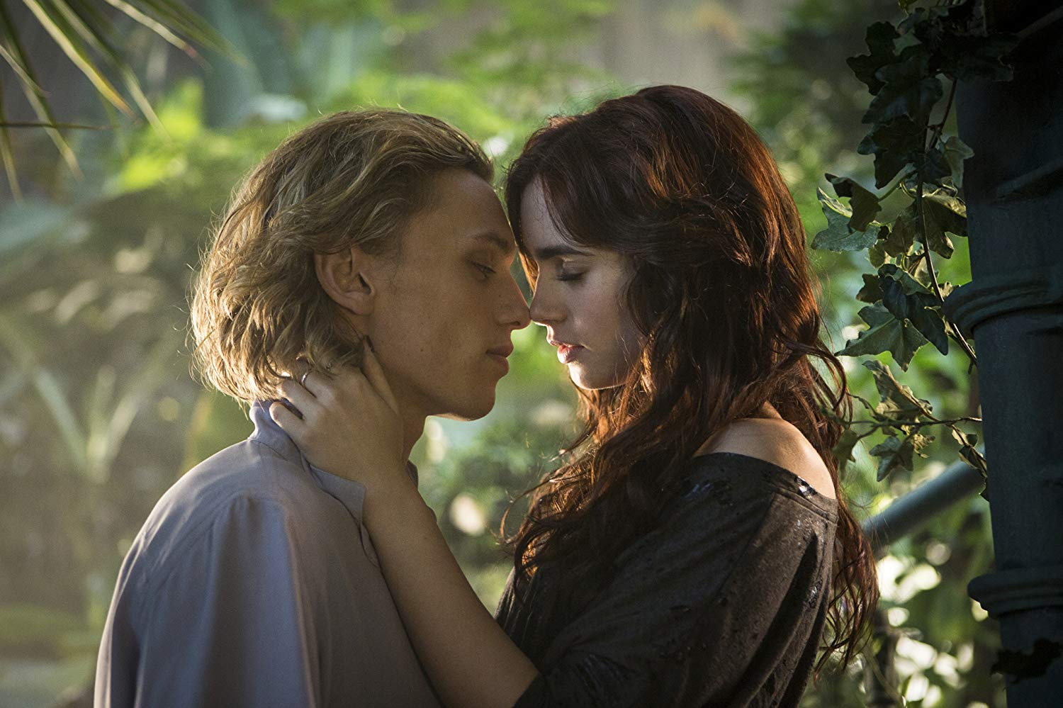Jamie Bower, Lily Collins in The Mortal Instruments: City of Bones (2013)