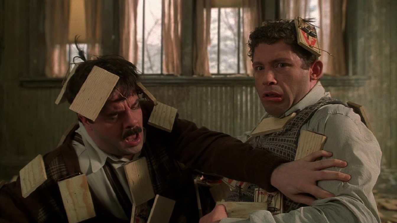 Nathan Lane, Lee Evans - terrorised by an unkillable mouse in Mousehunt (1997)