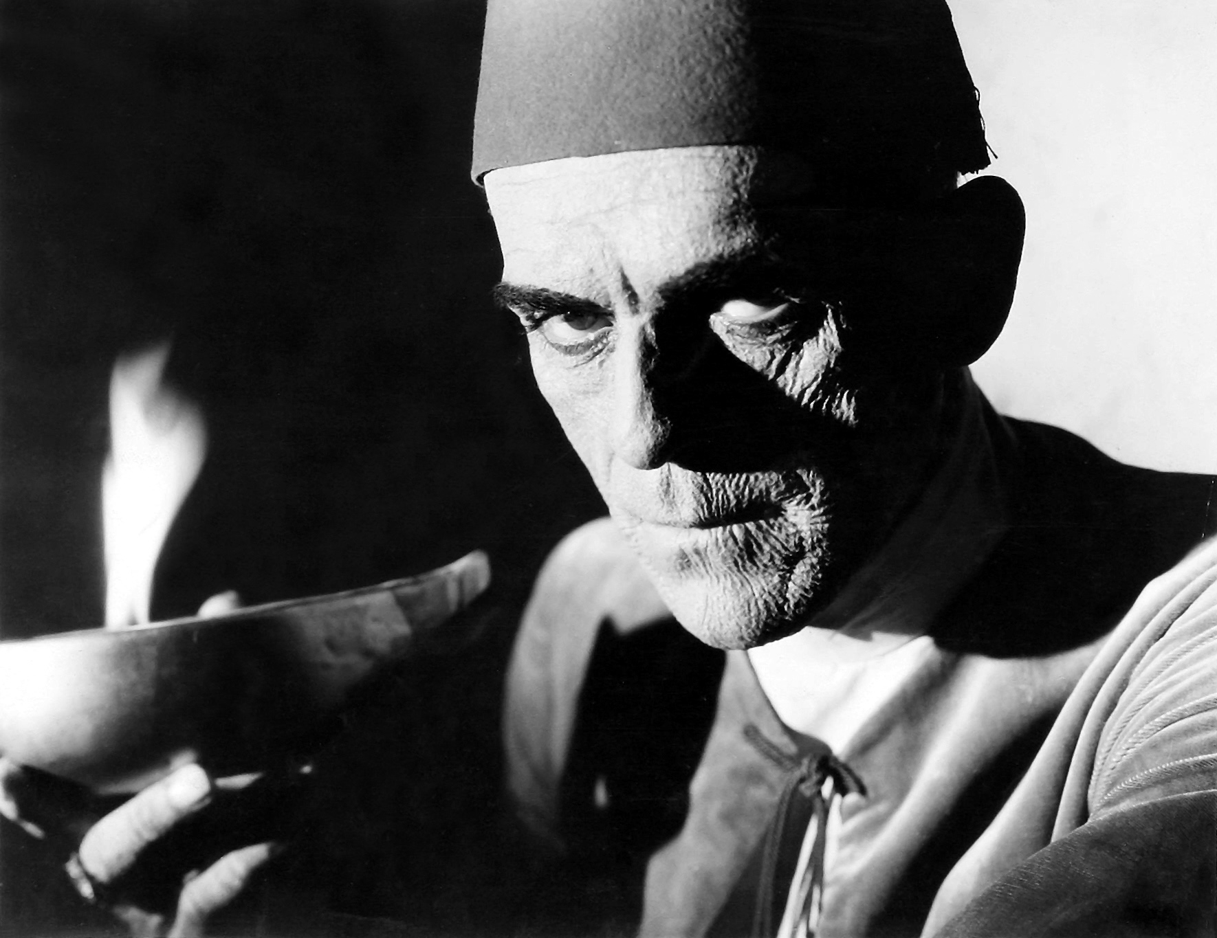 Boris Karloff as Ardath Bey, the reincarnation of the High Priest Im-ho-tep in The Mummy (1932)