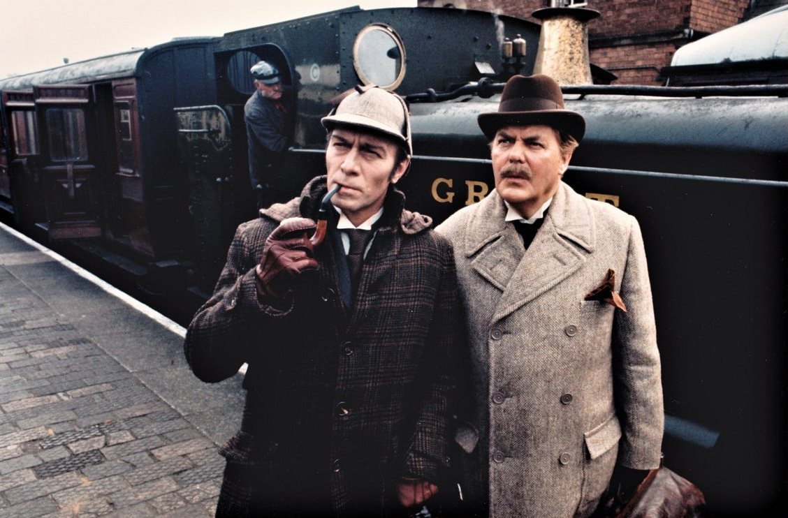 Christopher Plummer as Sherlock Holmes, James Mason as Dr Watson in Murder By Decree (1979)