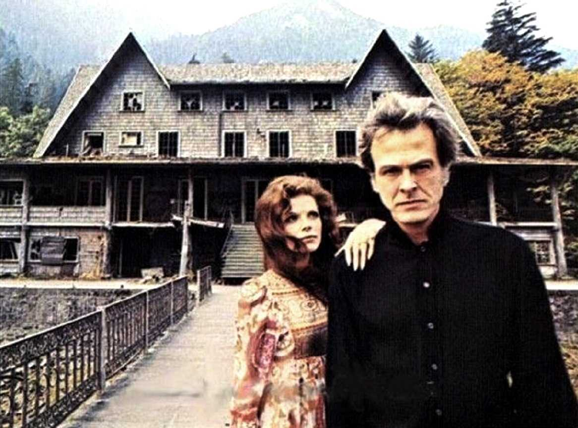 Robert Culp and wife Samantha Eggar in A Name for Evil (1973)