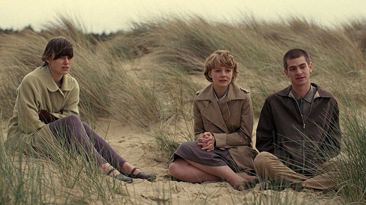 On the run - Keira Knightley, Carey Mulligan and Andrew Garfield in Never Let Me Go (2010)