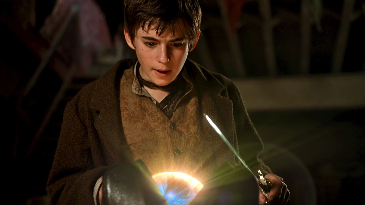 Peter Pan (Charlie Rowe) finds the orb in Neverland (2011)