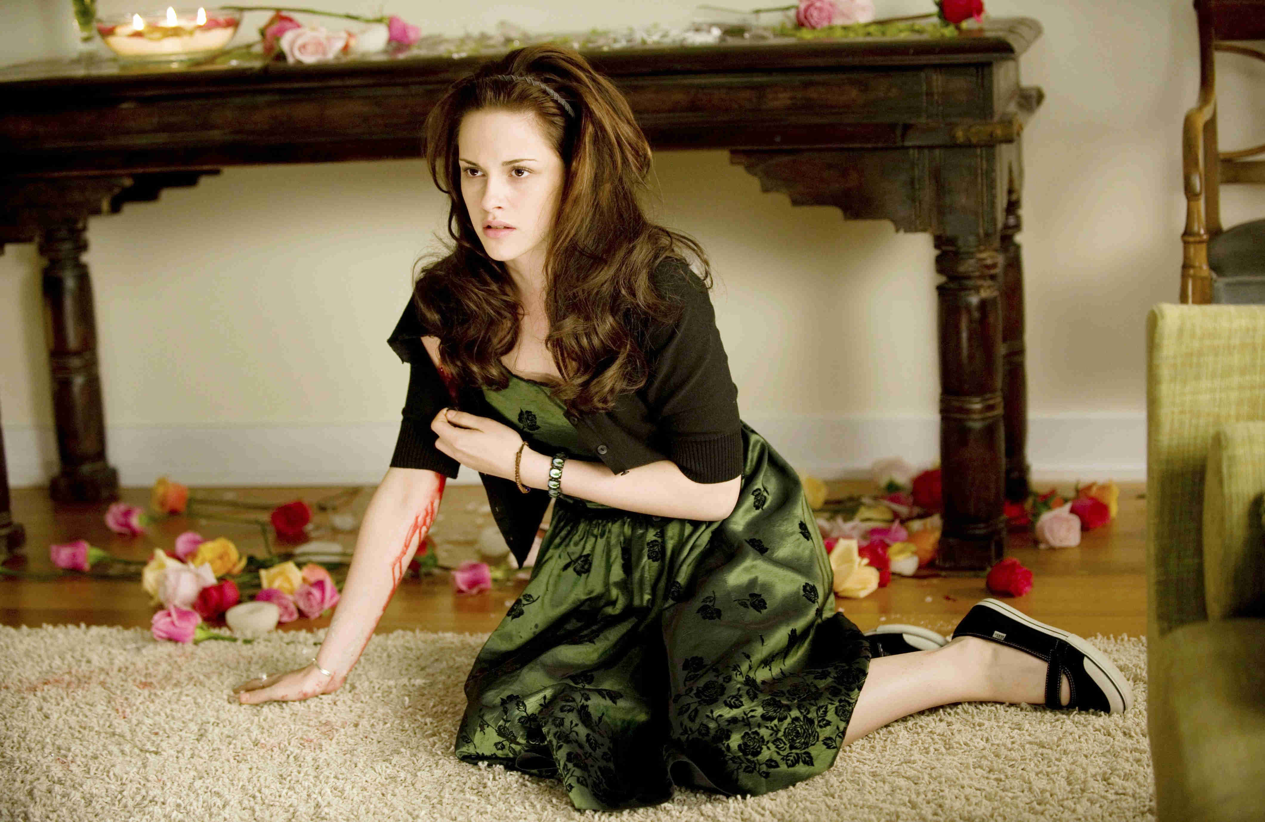 Bella (Kirsten Stewart) depressed at the absence of Edward in New Moon (2009)