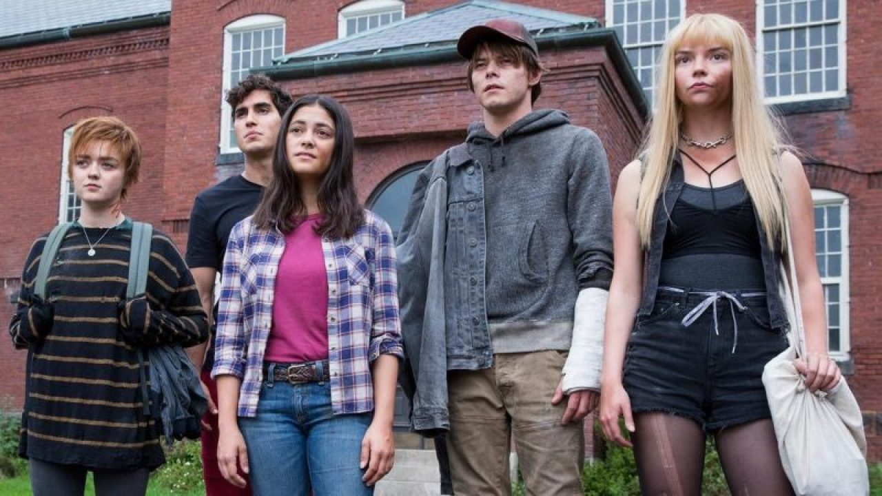 Rahne Sinclair (Maisie Williams), Roberto de Costa (Henry Zaga), Dani Moonstar (Blu Hunt)Sam Guthrie (Charlie Heaton) and Illyana Rasputin (Anya Taylor-Joy) in The New Mutants (2020)