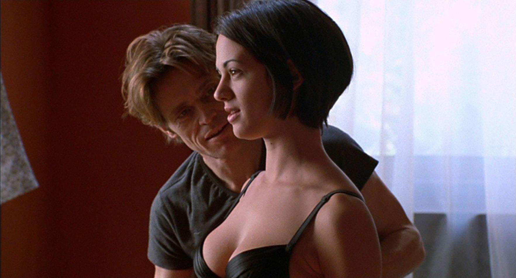 Willem DaFoe introduces Sandii (Asia Argento) in New Rose Hotel (1998)