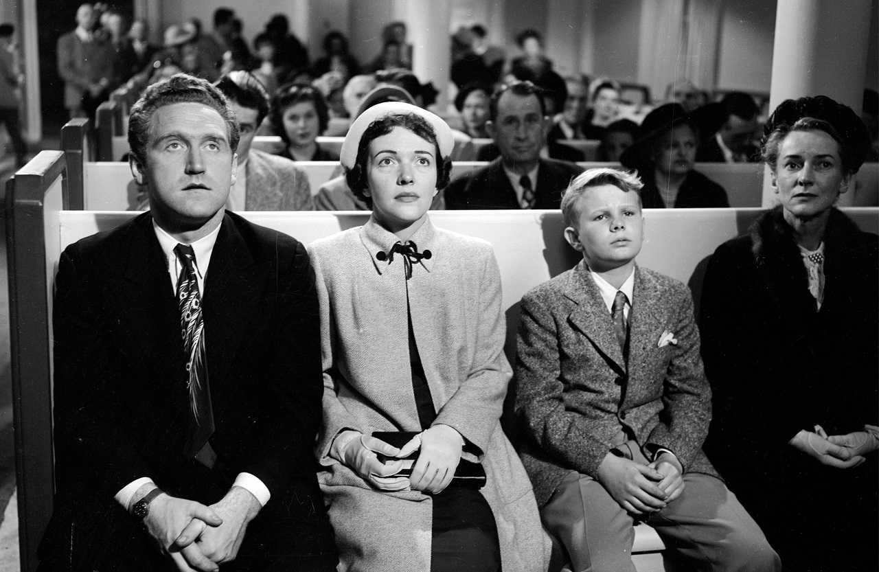 James Whitmore, Nancy Davis, Gary Gray and Lillian Bronson go to church in The Next Voice You Hear ... (1950)