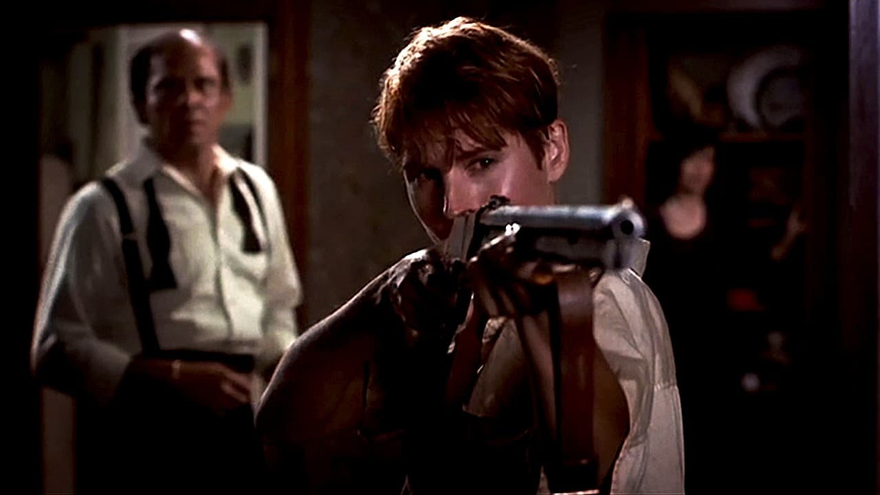 A much more in-charge Barbara (Patricia Tallman). With Cooper (Tom Towles) in the background in Night of the Living Dead (1990)