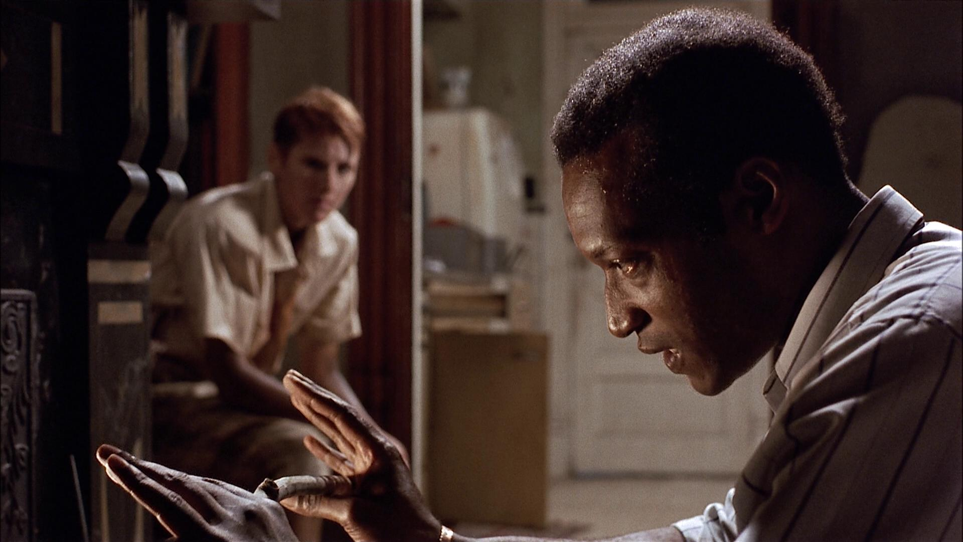 Barbara (Patricia Tallman) and Ben (Tony Todd) in Night of the Living Dead (1990)