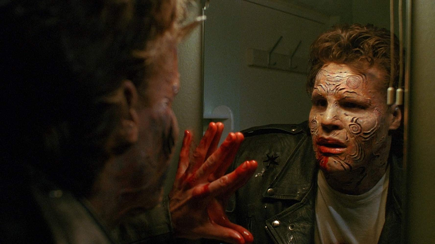 Boone (Craig Sheffer) discovers he is transforming into a monster in Nightbreed (1990)