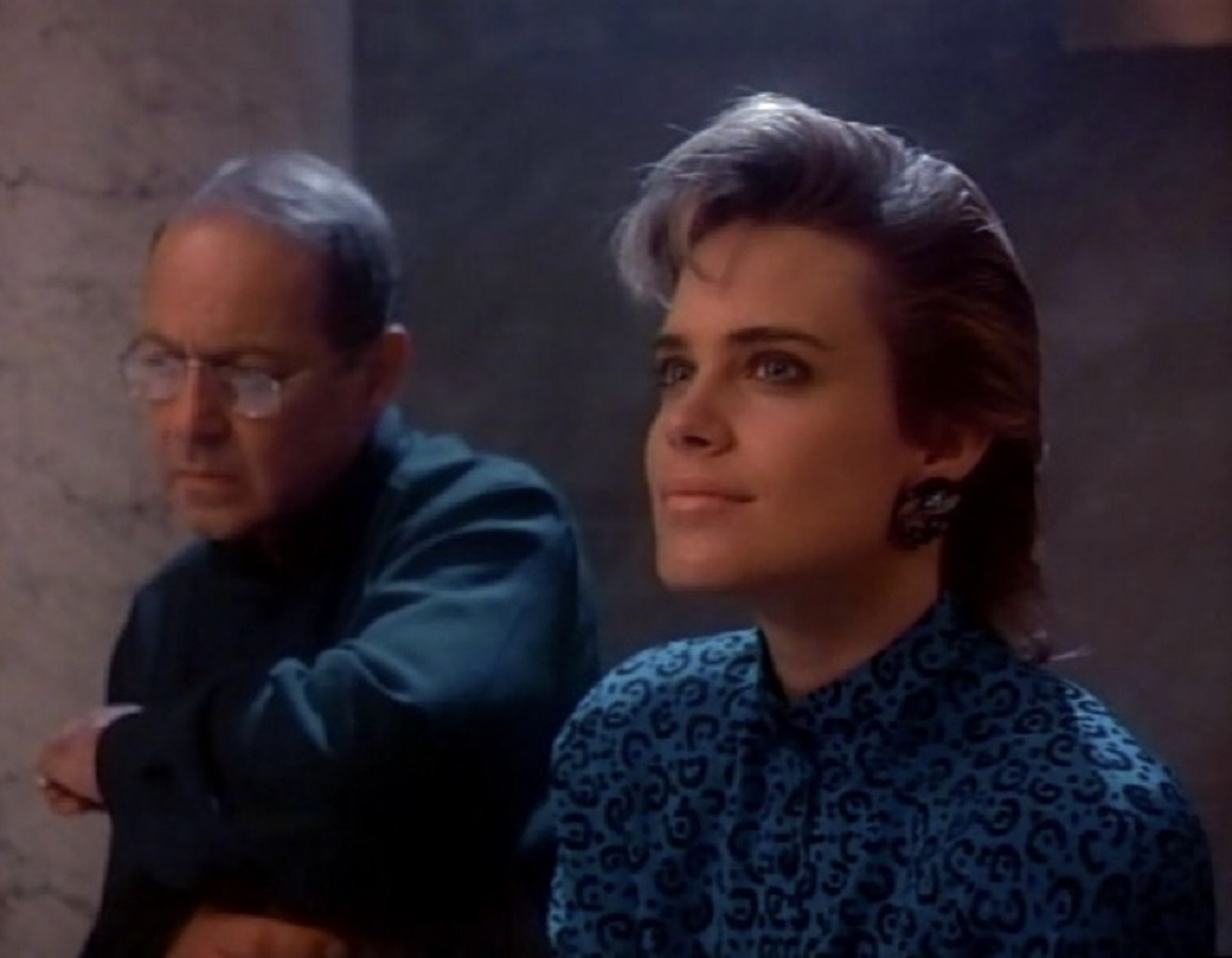 Michael D'branin (John Standing) and Miranda Dorleac (Catherine Mary Stewart) in Nightflyers (1987)
