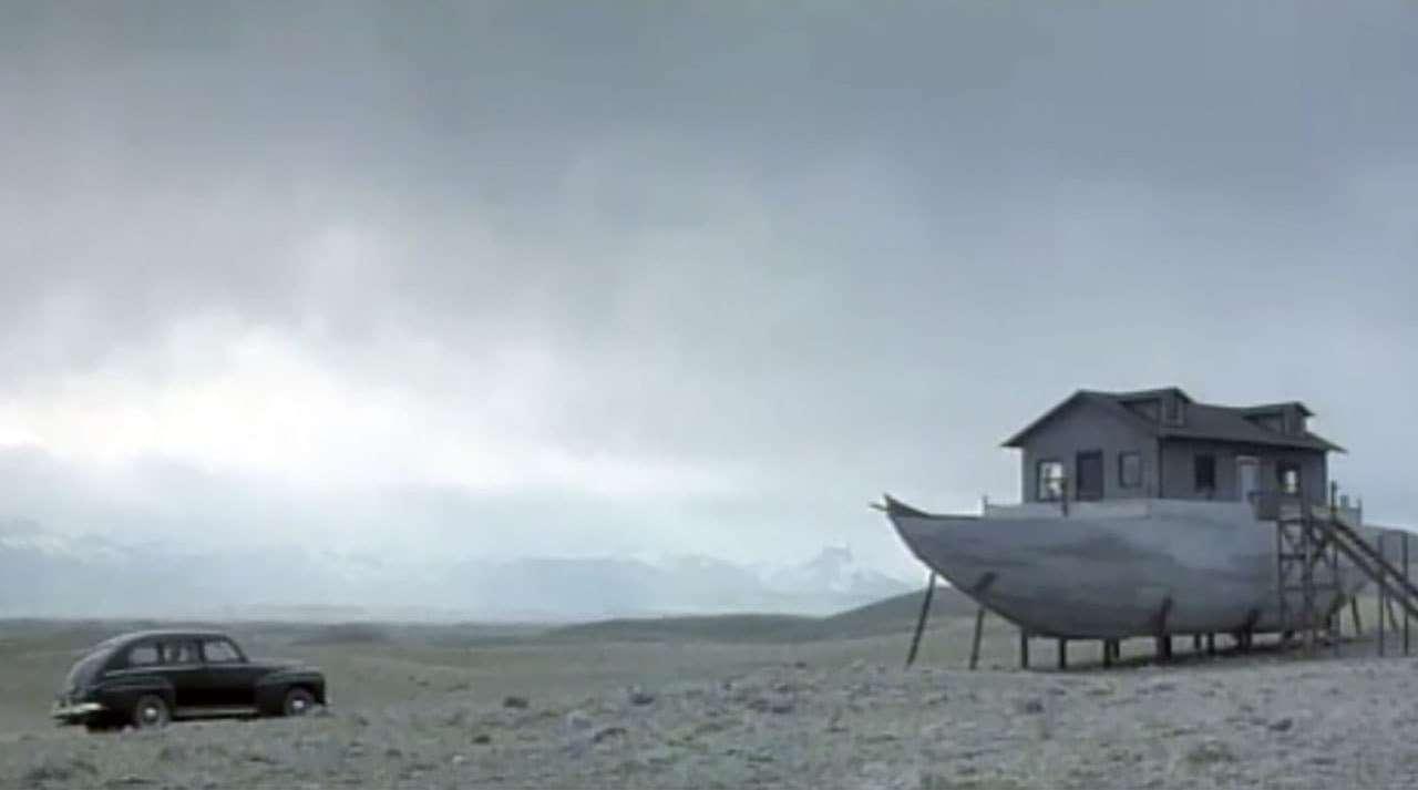 The Noah's Ark house in Northfork (2003)