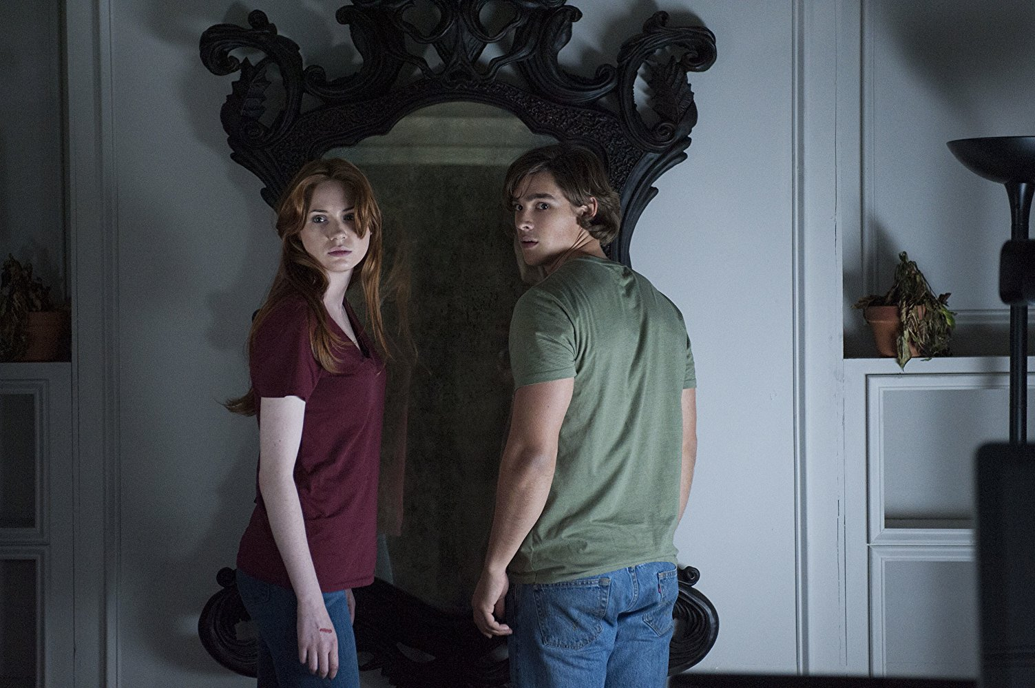 Karen Gillan, Brenton Thwaites and the evil mirror in Oculus (2013)