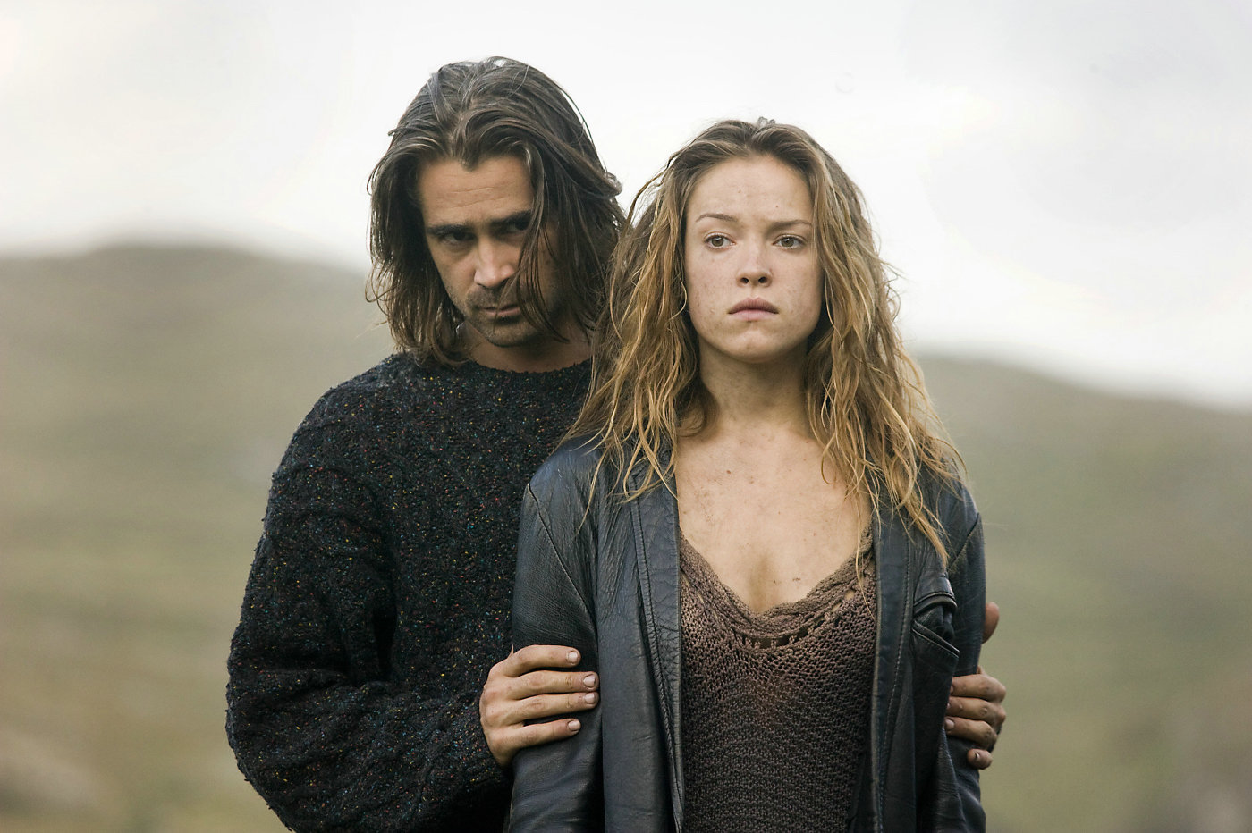 Colin Farrell as the fisherman Syracuse and Ondine (Alicja Bachleda) in Ondine (2009)