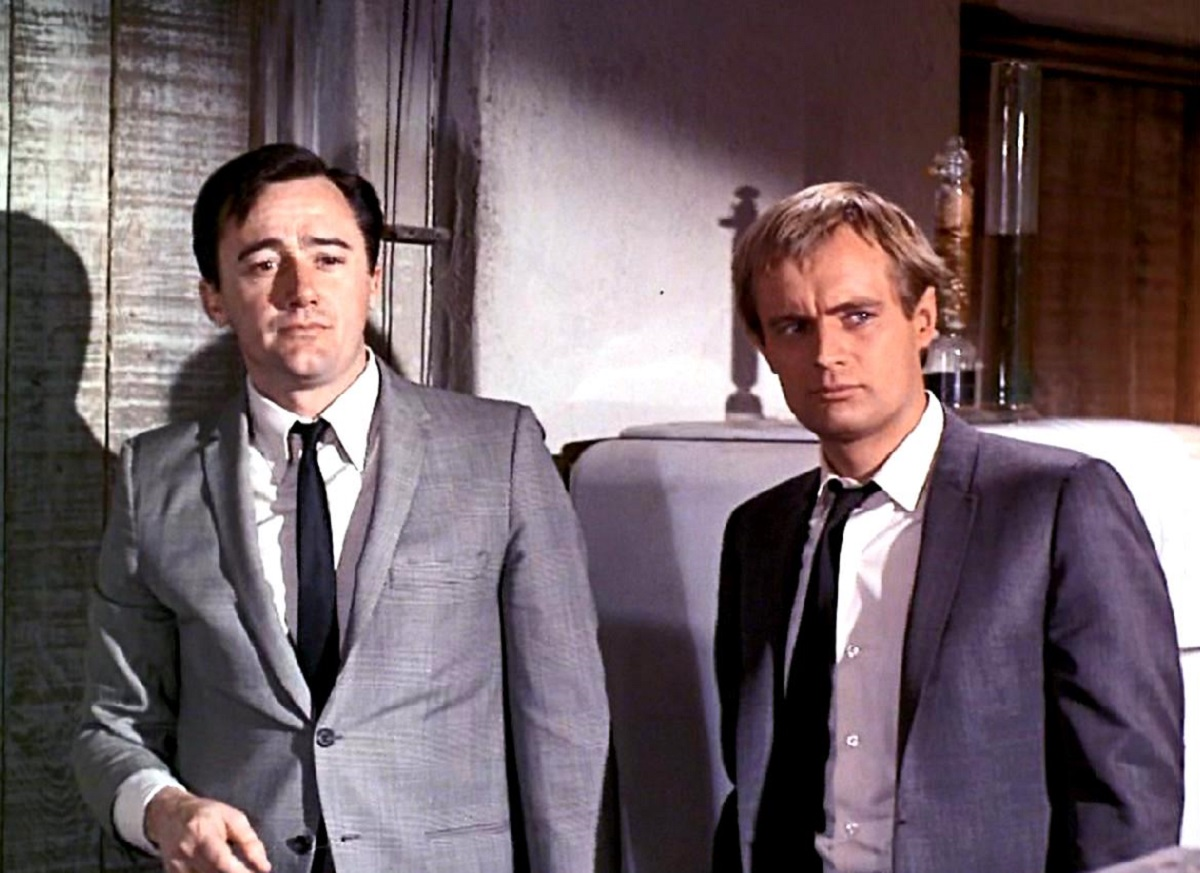 Napoleon Solo (Robert Vaughn) and Ilya Kuryakin (David McCallum) in One of Our Spies is Missing (1966)