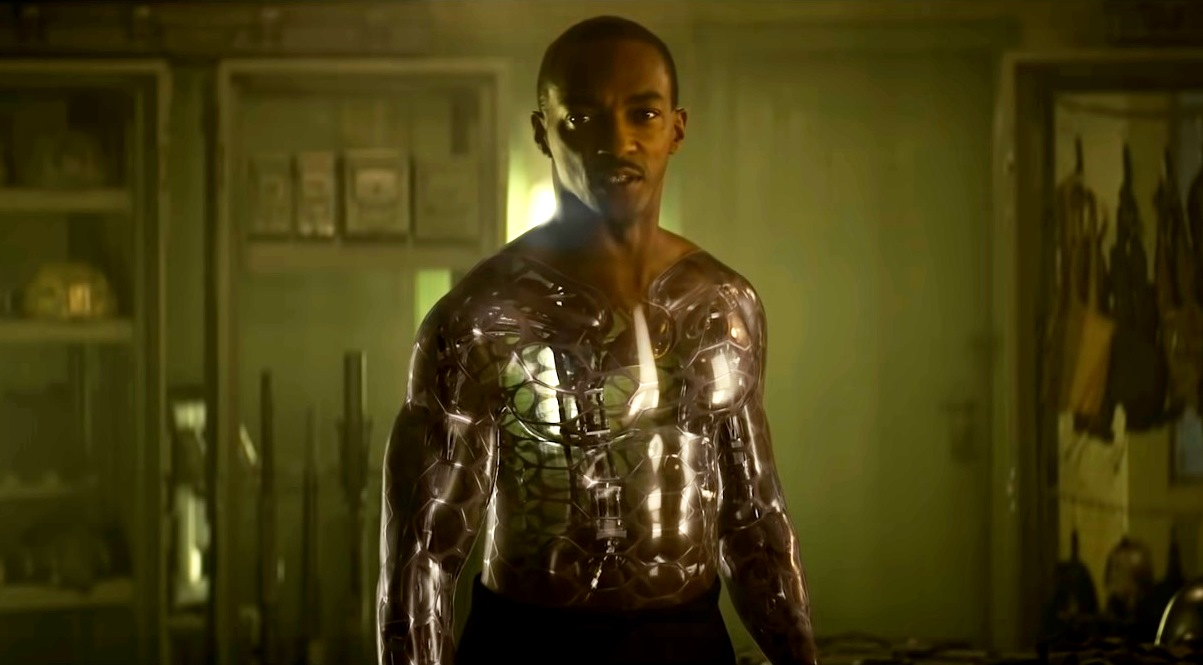 Anthony Mackie as an android in Outside the Wire (2021)