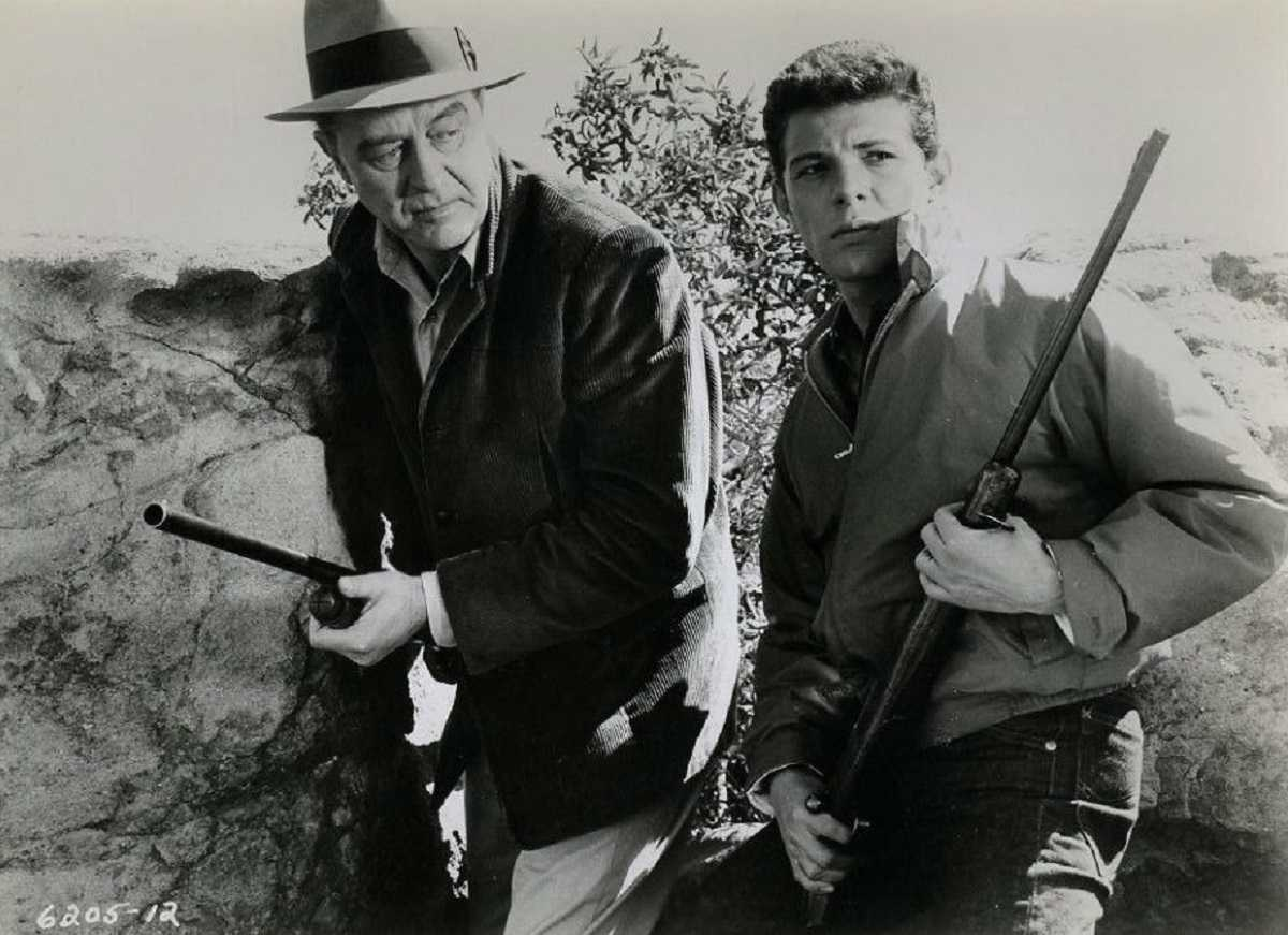 Father Ray Milland and son Frankie Avalon wield guns in Panic in Year Zero! (1962)