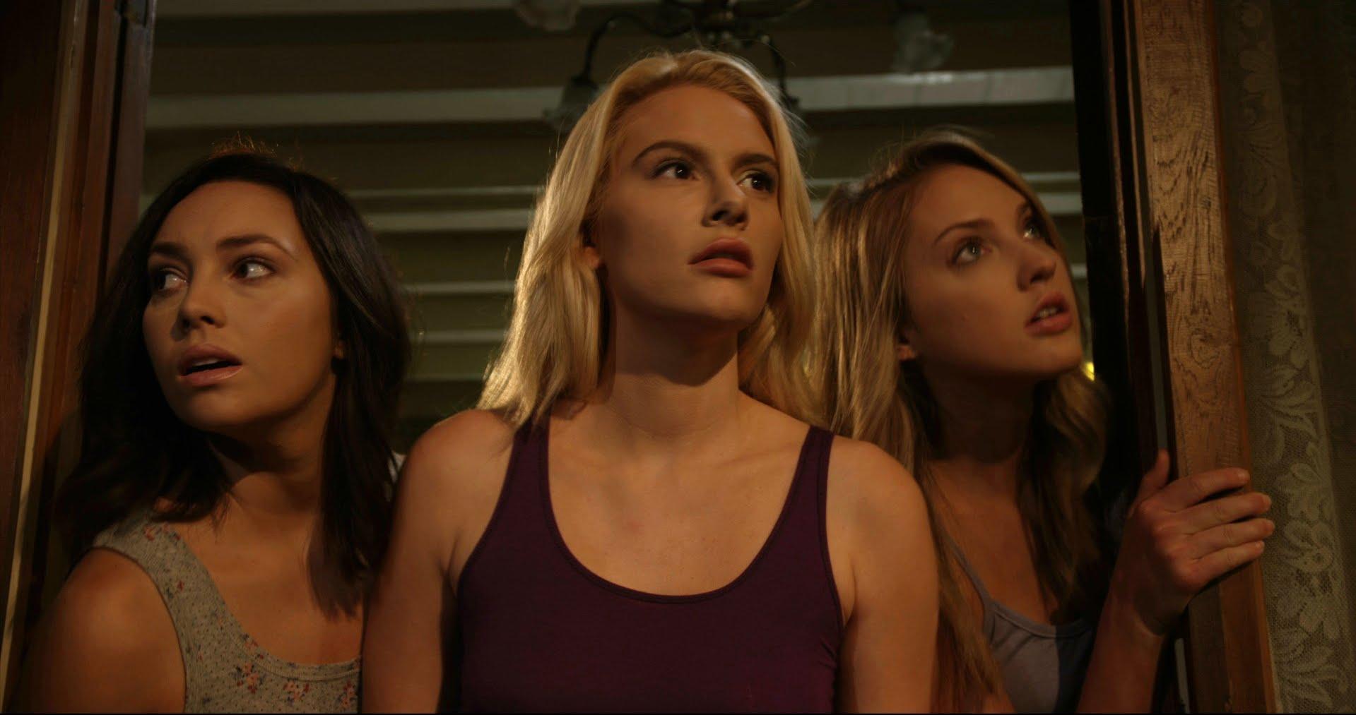 Emily O'Brien, Jackie Moore, Clara Hanna in Pernicious (2014)