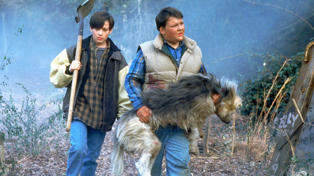 (l to r) Edward Furlong and friend Jason McGuire take the dog Zowie out to the Pet Sematary in Pet Sematary II (1992)