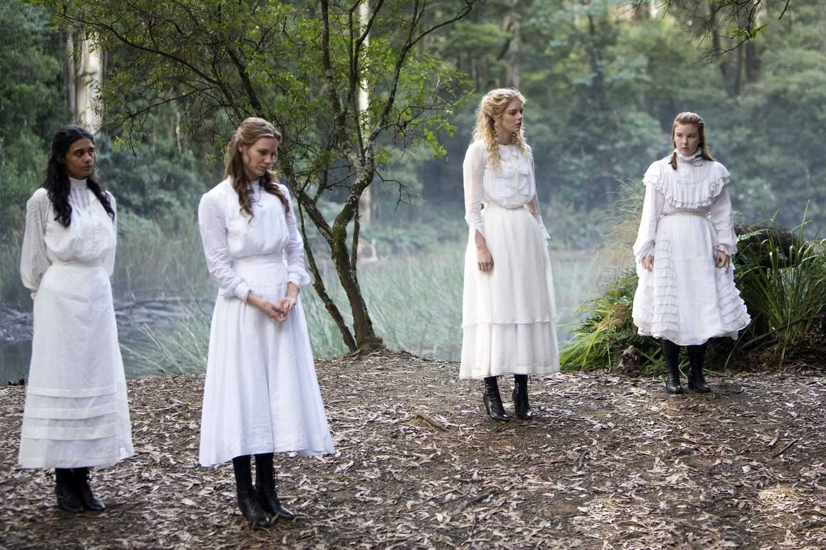 Madeleine Madden, Lily Sullivan, Samara Weaving, Ruby Rees in Picnic at Hanging Rock (2018)