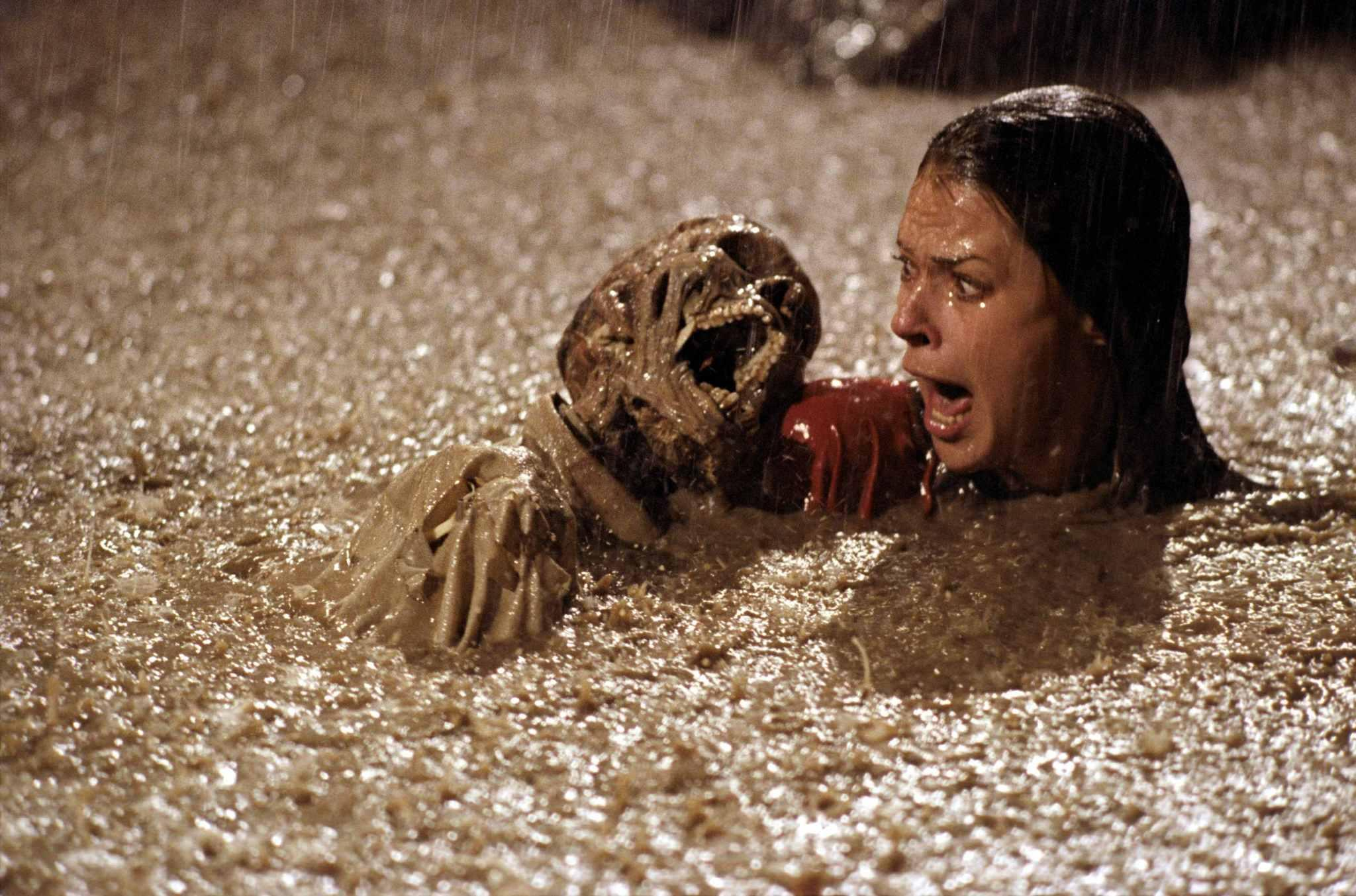 JoBeth Williams encounters corpses in the swimming pool in Poltergeist (1982)