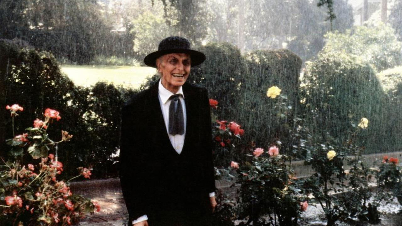 Julian Beck as Reverend Kane in Poltergeist II: The Other Side (1986)