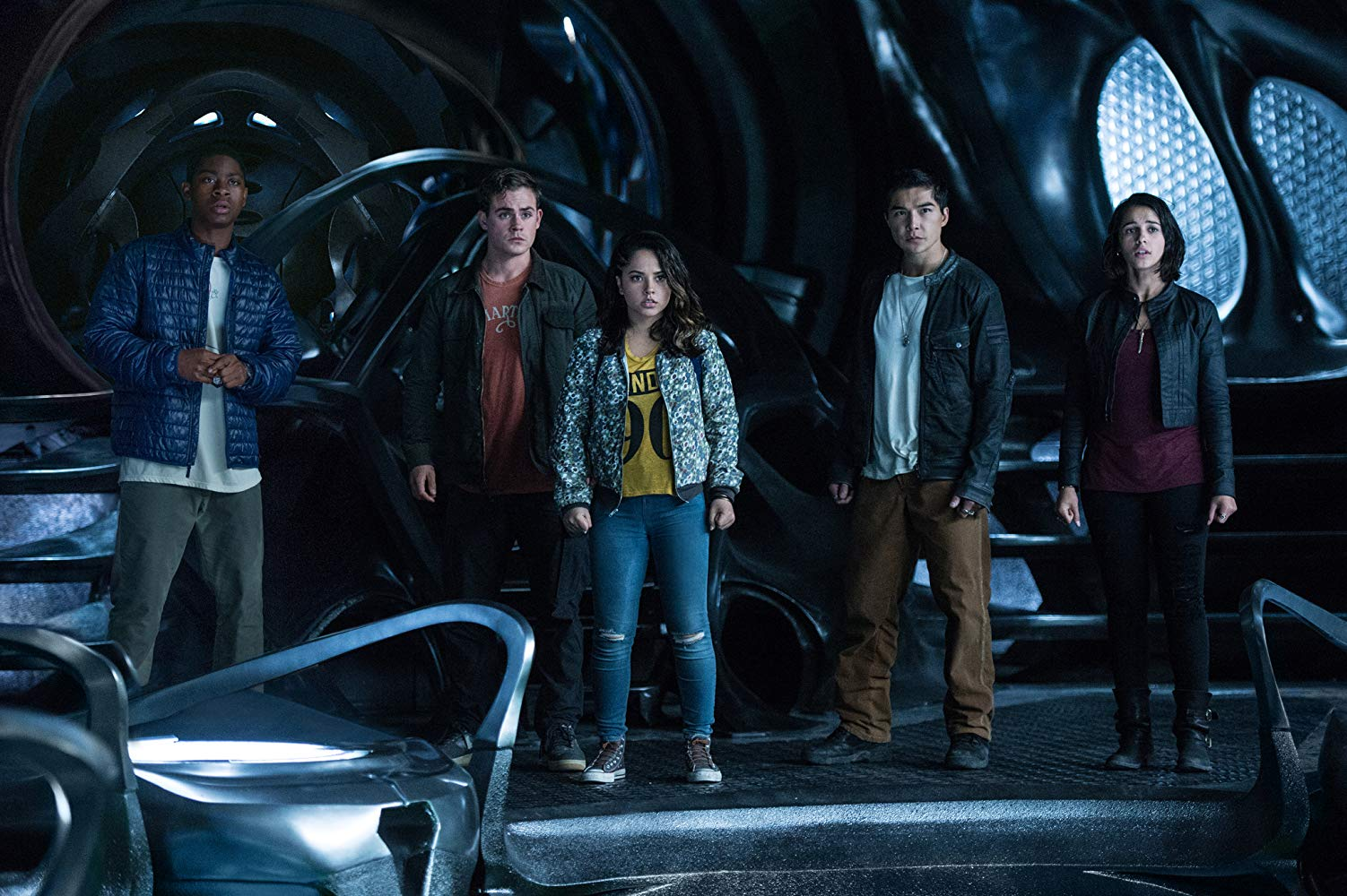(l to r) R.J. Cyler, Dacre Montgomery, Becky G, Ludi lin and Naomi Scott in Power Rangers (2017)