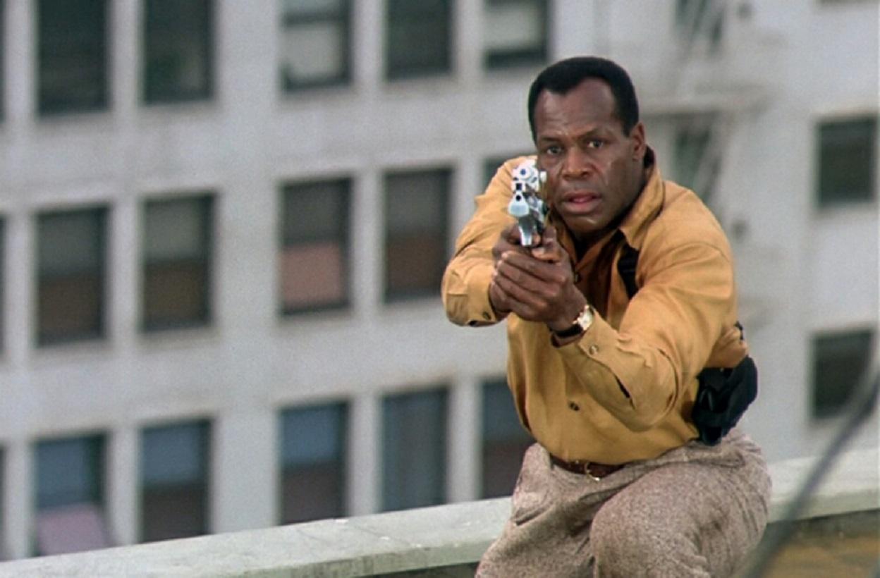 Police detective Danny Glover in Predator 2 (1990)