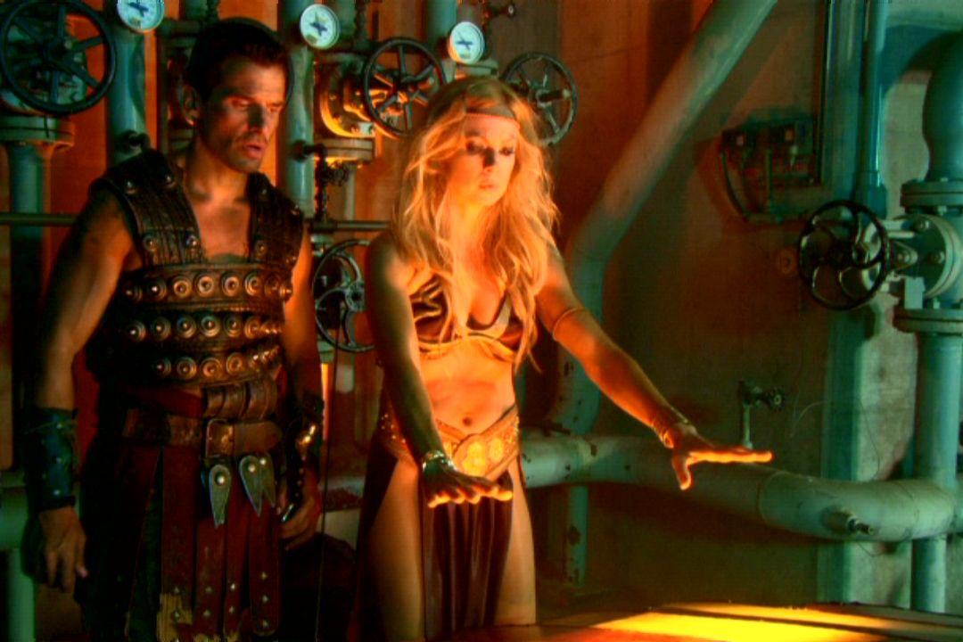 John Carter (Antonio Sabato Jr) and Dejah Thoris (Traci Lords) in Princess of Mars (2009)