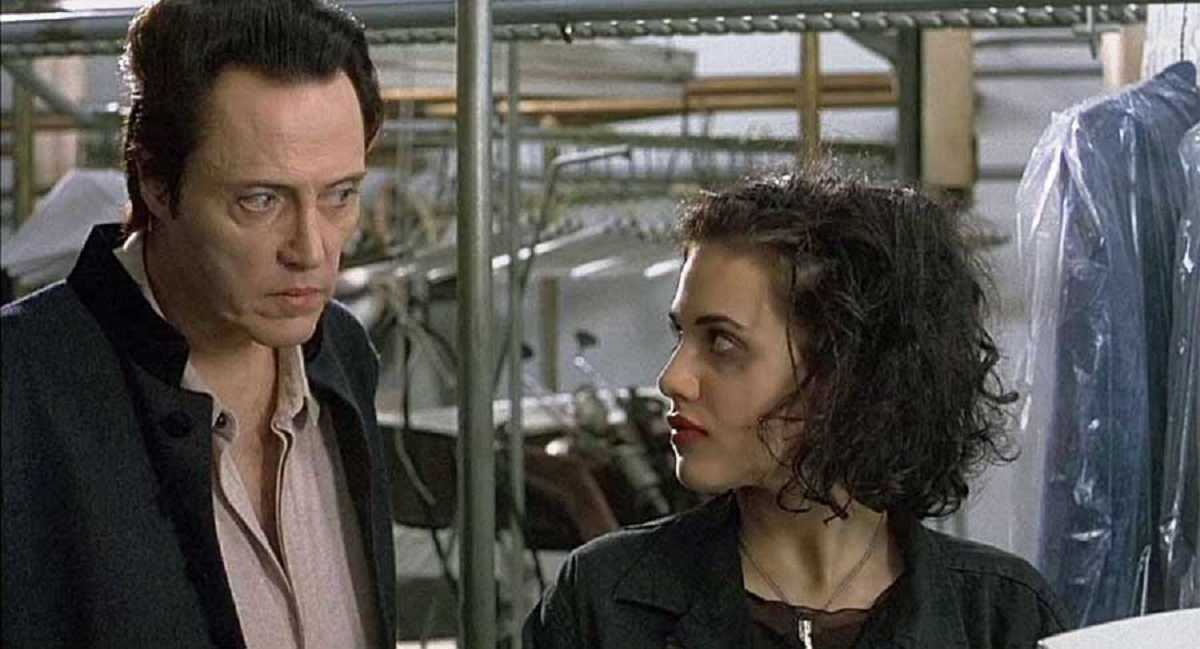 The angel Gabriel (Christopher Walken) and a resurrected Brittany Murphy in The Prophecy II (1998)
