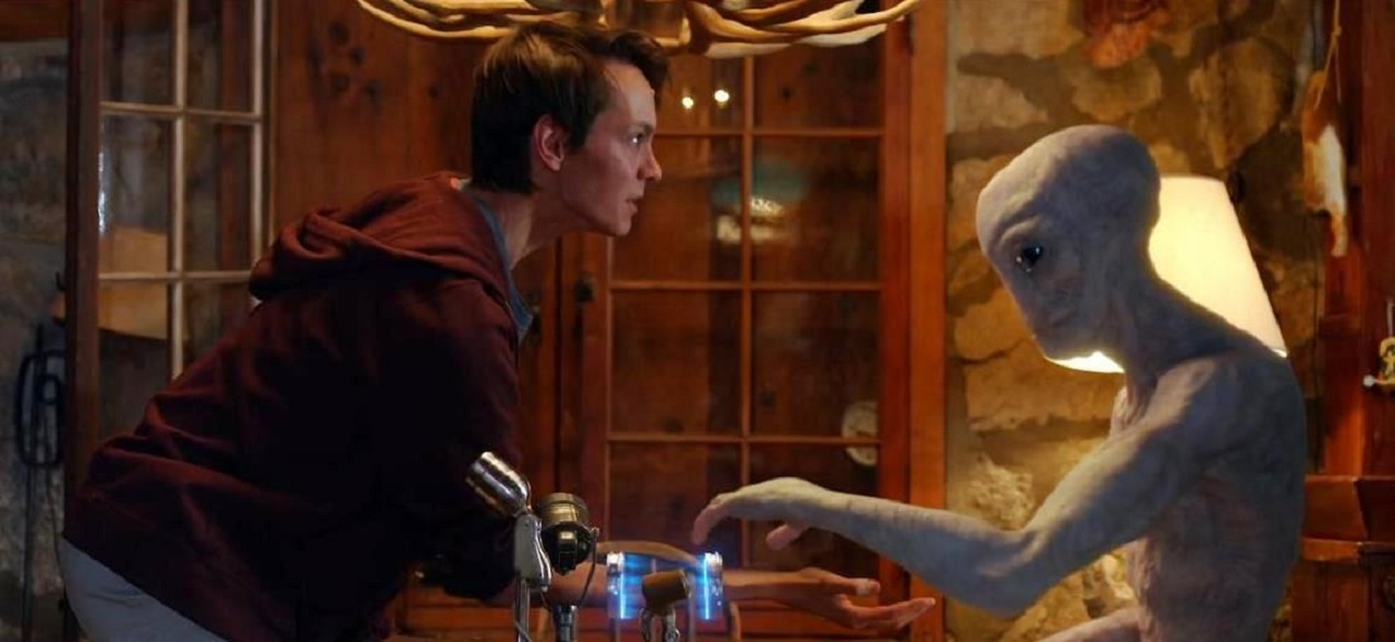 Ryan Masson meets an alien in Proximity (2020)
