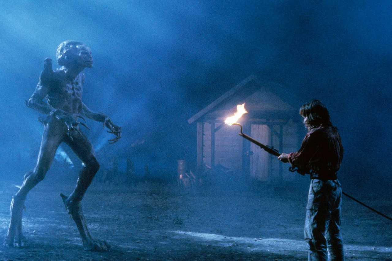 Cynthia Bain faces off against Pumpkinhead (Tom Woodruff Jr) Pumpkinhead (1988)