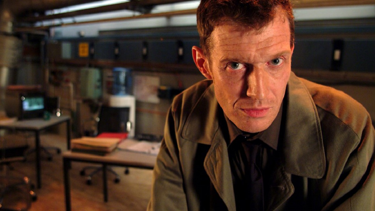 Jason Flemyng as the new Professor Quatermass in The Quatermass Experiment (2005)
