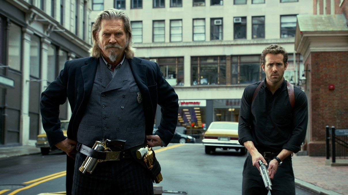 Roy Pulsipher (Jeff Bridges) and Nick Walker (Ryan Reynolds) in R.I.P.D. (2013)