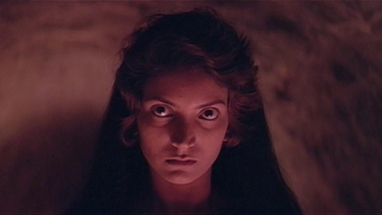 A possessed Revathi in Raat (1992)