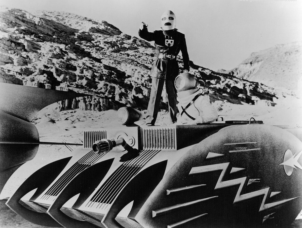 Commando Cody (George Wallace) in action in Radar Men from the Moon (1952)