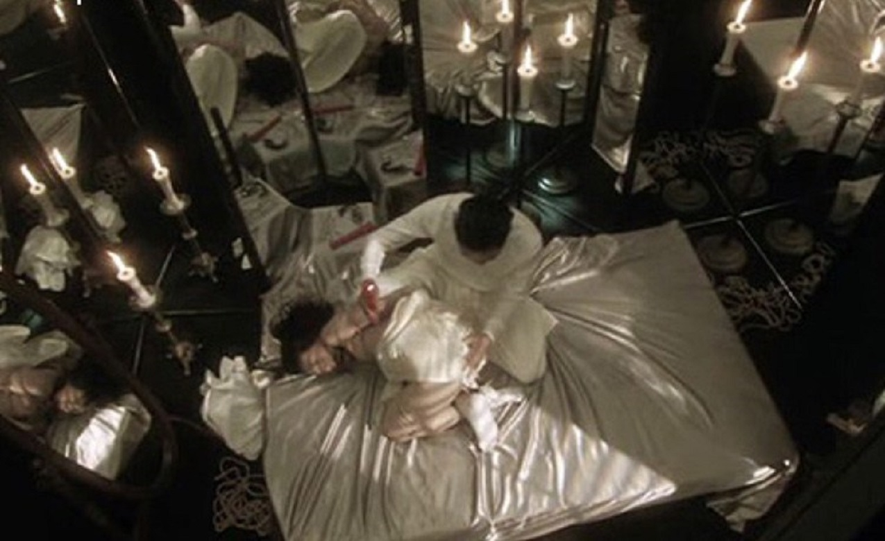 Perverse love scenes in a hotel room of mirrors in the Mirror Hell episode of Rampo Noir (2005)