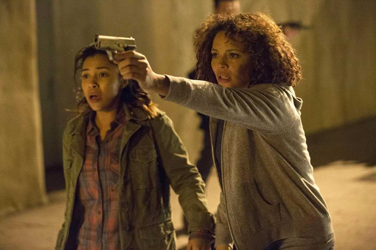 Carmen Ejogo and daughter Apollonia Pratt in Rattlesnake (2019)
