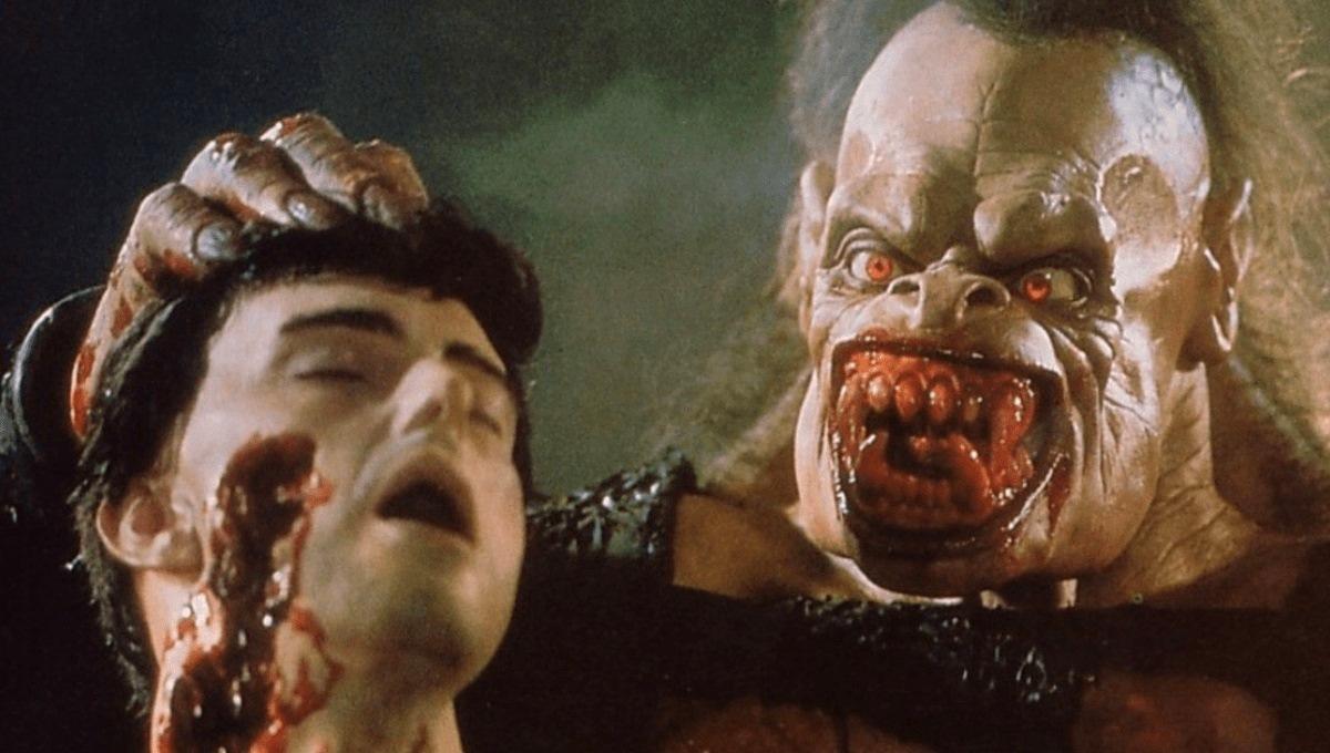 Rawhead Rex (Heinrich von Schellendorf) and friend's head in Rawhead Rex (1986)
