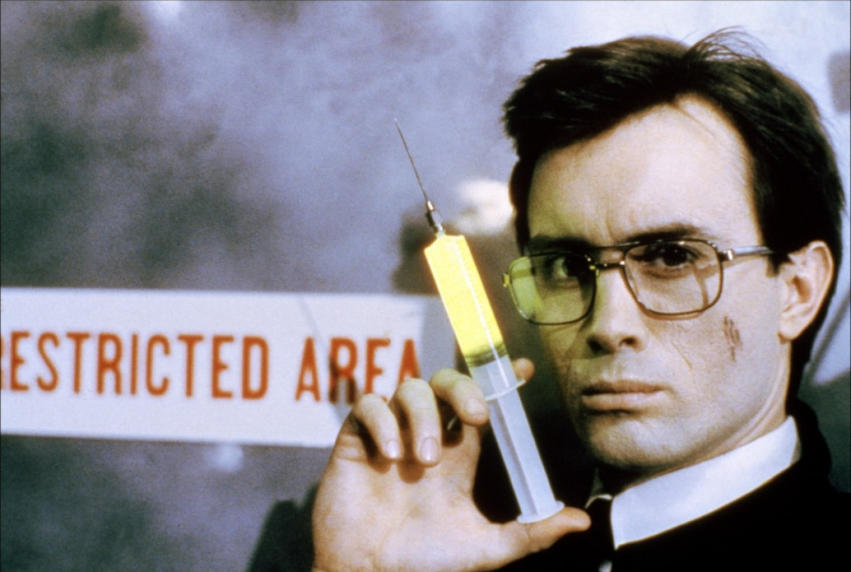 Jeffrey Combs as Herbert West in Re-Animator (1985)