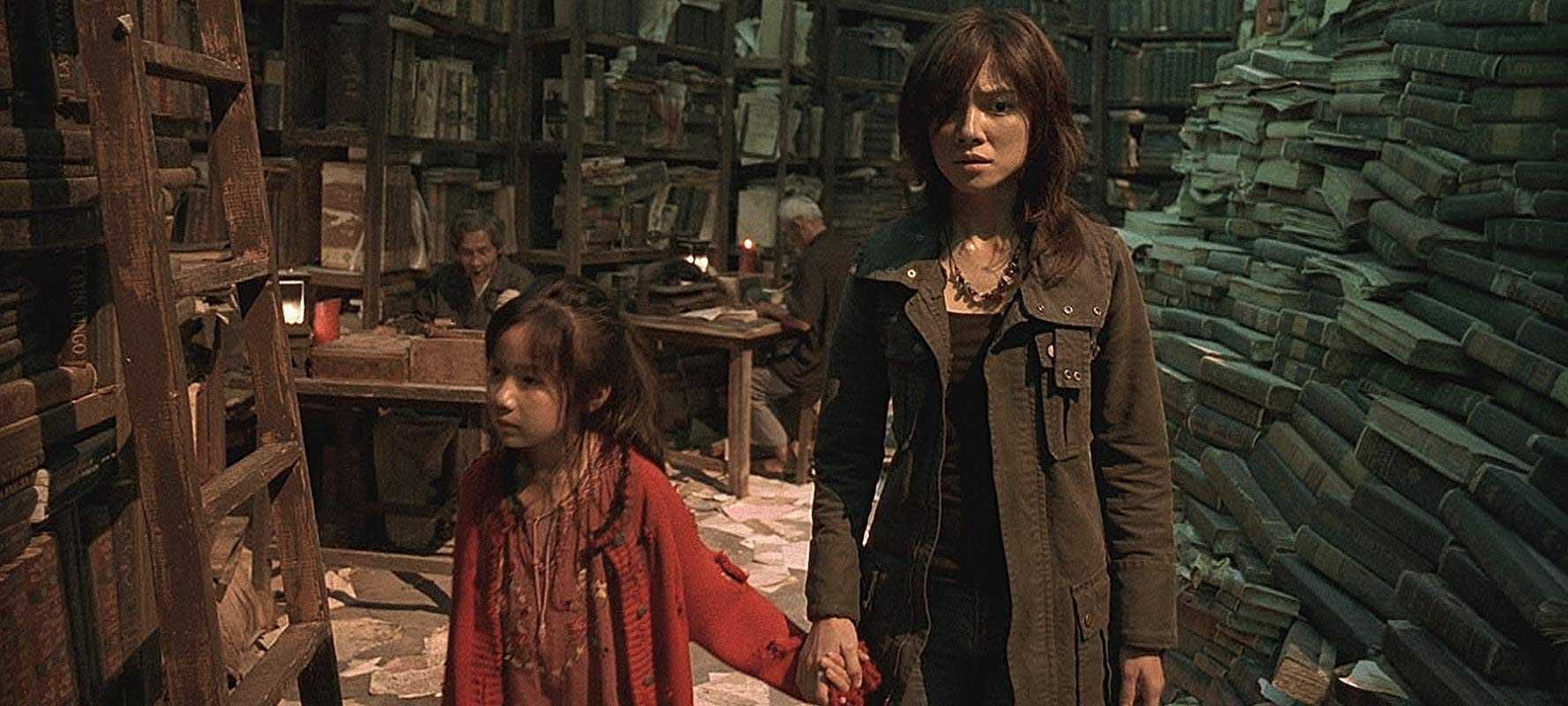 Lee Sinje and young Yaqi Zeng in Re-Cycle (2006)